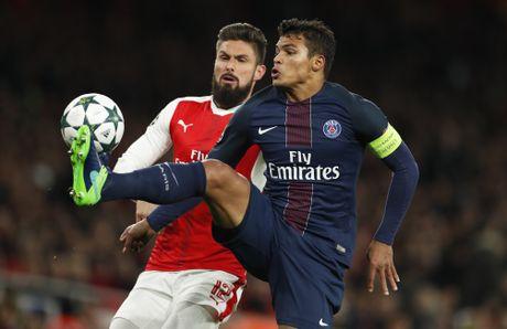 Arsenal cam hoa PSG 2-2 nho an va va phan luoi nha - Anh 1