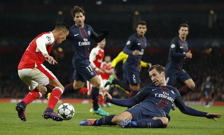 Arsenal cam hoa PSG 2-2 nho an va va phan luoi nha - Anh 5