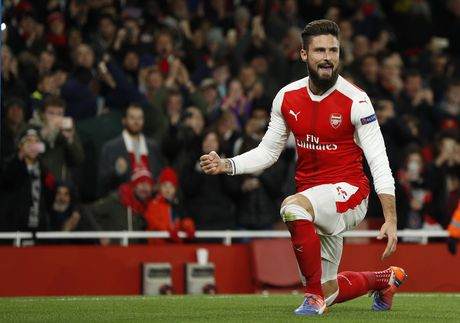 Arsenal cam hoa PSG 2-2 nho an va va phan luoi nha - Anh 8