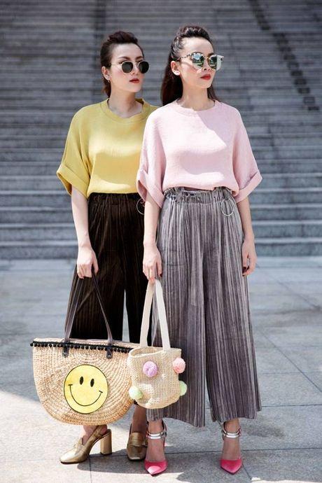 Song Yen goi y trang phuc doi cho chi em gai xuong pho - Anh 5