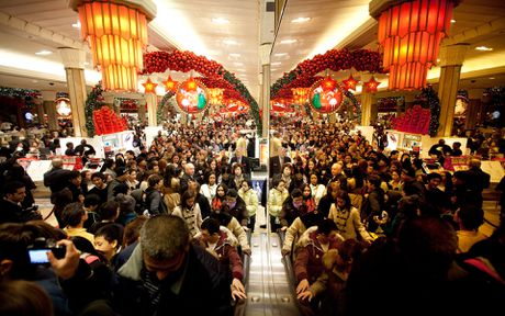 Canh tranh cuop nam nao cung thay trong 'Black Friday' - Anh 5