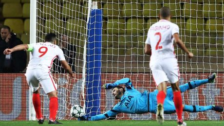 Marco Reus vao doi hinh tieu bieu vong 5 cup chau Au - Anh 2