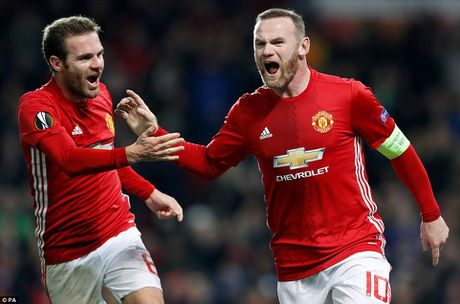 Rooney toa sang, Manchester United thang huy diet Feyenoord - Anh 1