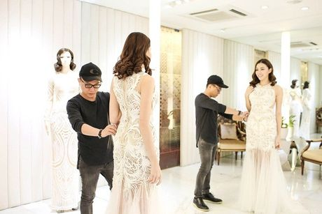 Chan dai Le Ha 'dau dau' chon phuc trang du show Victoria's Secret - Anh 6