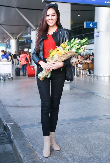 Hoa khoi Dieu Ngoc mang 100kg hanh ly di thi Miss World - Anh 10