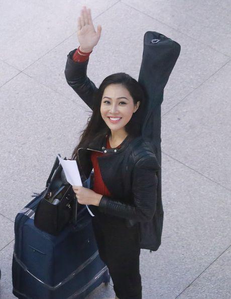 Hoa khoi Dieu Ngoc mang 100kg hanh ly di thi Miss World - Anh 3