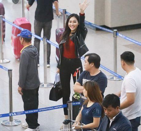 Hoa khoi Dieu Ngoc mang 100kg hanh ly di thi Miss World - Anh 4