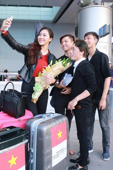 Hoa khoi Dieu Ngoc mang 100kg hanh ly di thi Miss World - Anh 8
