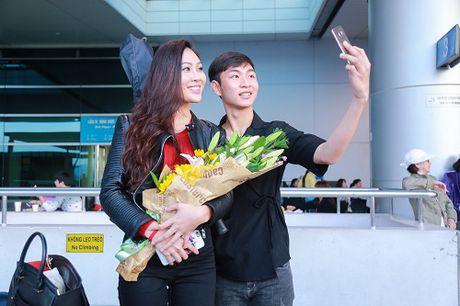Hoa khoi Dieu Ngoc mang 100kg hanh ly di thi Miss World - Anh 9
