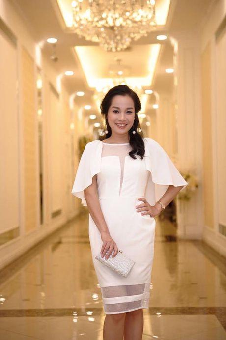 6 hot girl cung thoi Van Hugo tu que kieng den sang chanh - Anh 23