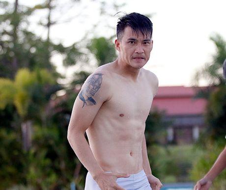 Cong Vinh kheo hinh xam doc trong ngay sinh nhat vo Thuy Tien - Anh 4