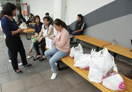 Ha Noi: Quy ong cung 'quay' voi Black Friday - Anh 11