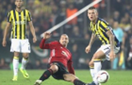 5 diem nhan M.U - Feyenoord: Rooney chua bao gio dung lai - Anh 8