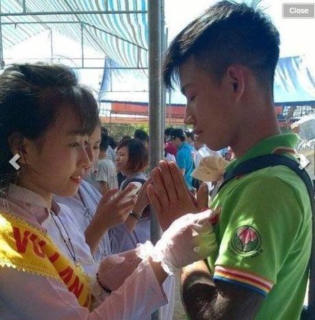 Chang trai hy sinh canh tay cuu ban vi tin vao nhan qua - Anh 8