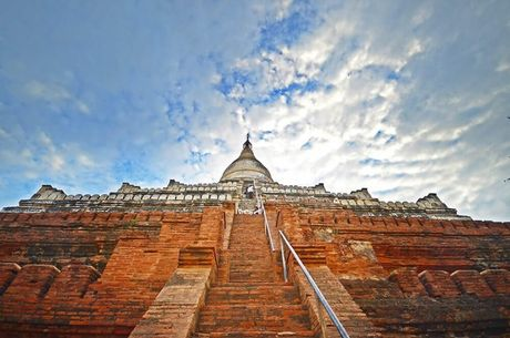 Nhung ngoi chua co noi tieng nhat Myanmar - Anh 4