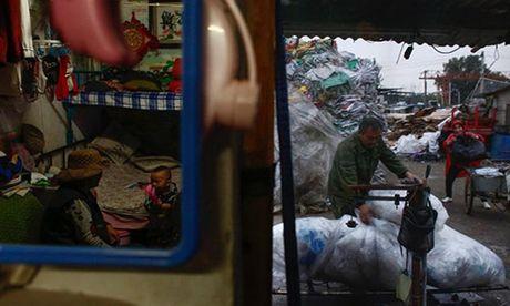Nhoc nhan lao dong nhap cu tai bai phe lieu Bac Kinh - Anh 9