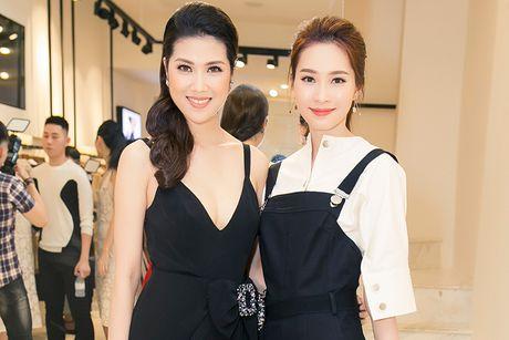 Thu Hang tu tin do sac cung Hoa hau Dang Thu Thao - Anh 1