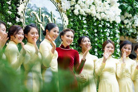MC Mai Ngoc dien ao dai dinh 2.000 vien ngoc trai trong le an hoi - Anh 7