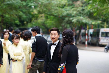 MC Mai Ngoc dien ao dai dinh 2.000 vien ngoc trai trong le an hoi - Anh 9