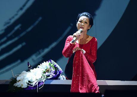 Ca si Khanh Ly trinh dien lien khuc tango trong liveshow tai TP HCM - Anh 1