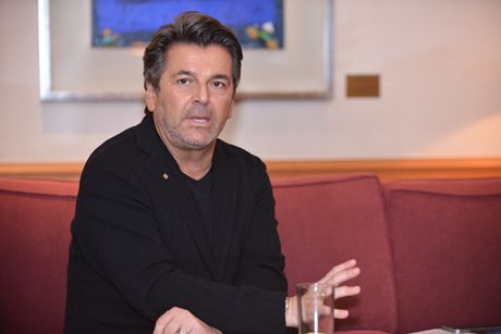Thomas Anders noi ly do Modern Talking chi con lai mot nua - Anh 1