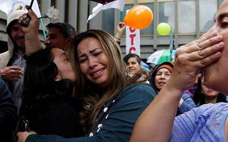 Chinh phu Colombia ky hiep uoc hoa binh sua doi voi FARC - Anh 1