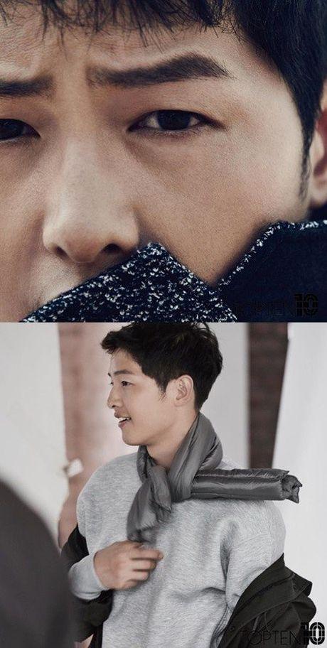 Song Joong Ki dep lung linh du chi trong anh hau truong - Anh 3
