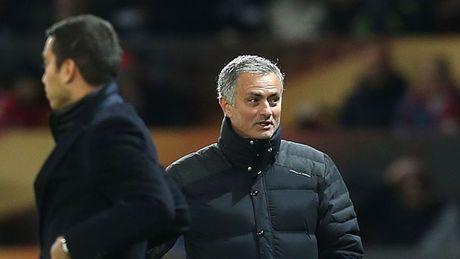 Mourinho khong ngo ngang den ky luc cua Rooney - Anh 2