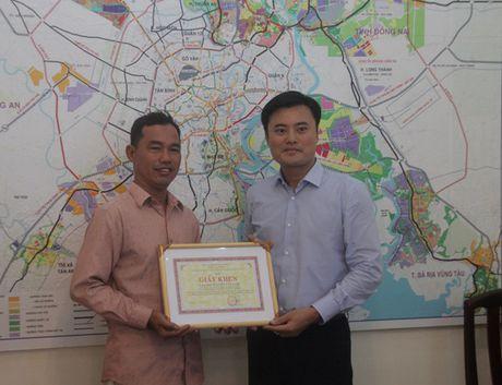 """Hiep si"" giao thong duoc So GTVT TPHCM khen thuong - Anh 1"