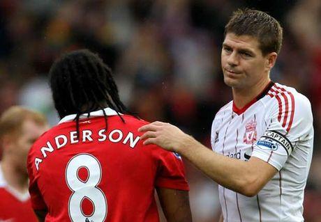 """Gerrard """"treo giay"""", doi thu duoc dip che gieu - Anh 1"""