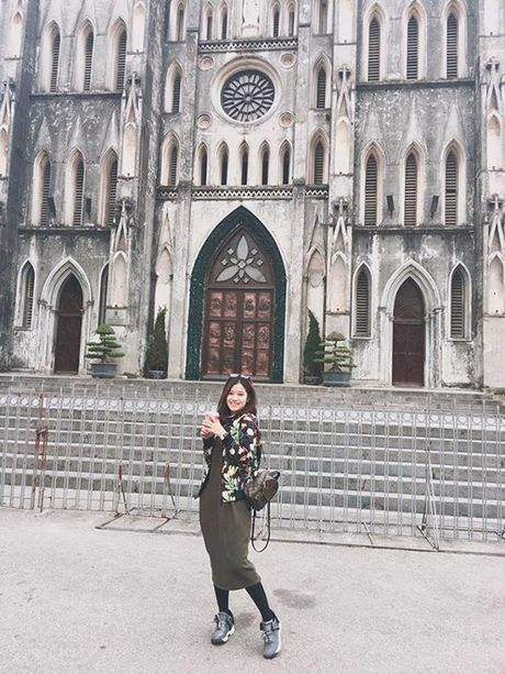 Sao Viet 25/11: Phuong Trinh khien fan 'xit mau', Diem Trang eo gon sau 1 thang sinh con - Anh 6