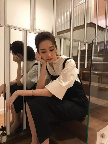 Sao Viet 25/11: Phuong Trinh khien fan 'xit mau', Diem Trang eo gon sau 1 thang sinh con - Anh 8