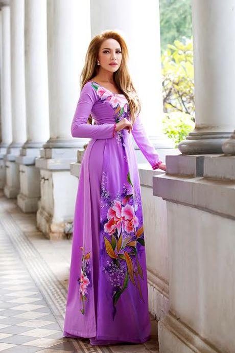 Danh ca Thanh Ha dam chat Viet trong ta ao dai - Anh 1
