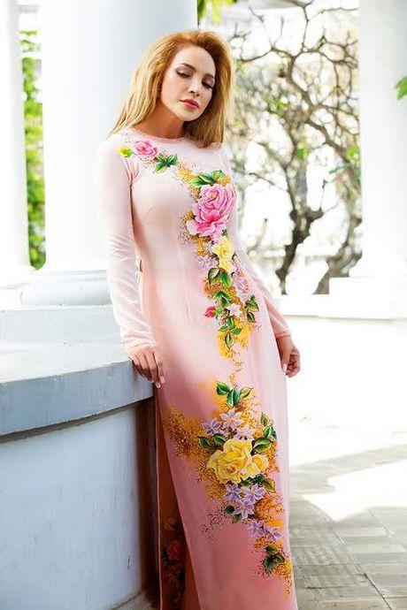 Danh ca Thanh Ha dam chat Viet trong ta ao dai - Anh 2