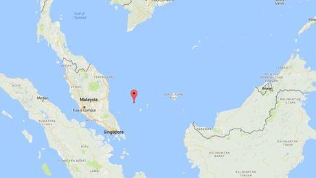 Tau Phap cuu duoc ngu dan Viet Nam troi cach Singapore 160 hai ly - Anh 7