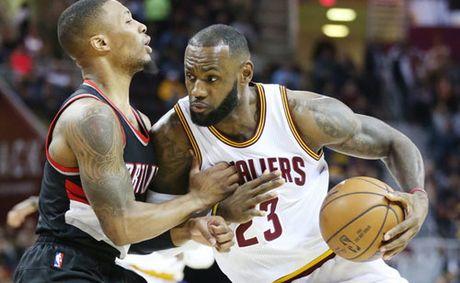 """Sieu sao NBA bung no voi ky tich """"triple-double"""" - Anh 1"""