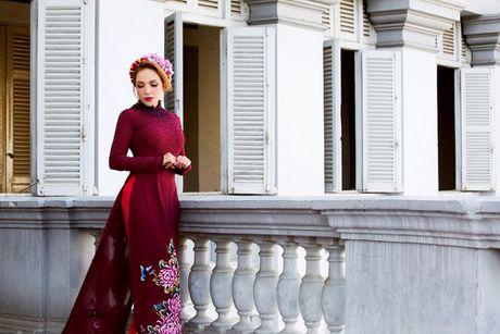 Danh ca Thanh Ha dam tham voi ao dai truyen thong - Anh 4