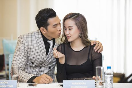 Khanh Ngan sexy ben Ngoc Tinh banh bao giua cai lanh cua Ha Noi - Anh 9
