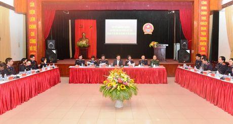 Lanh dao VKSNDTC nghe cac VKSND cap cao, VKSND T.P Ha Noi va VKSND TP. Ho Chi Minh bao cao ket qua cong tac nam 2016 - Anh 11