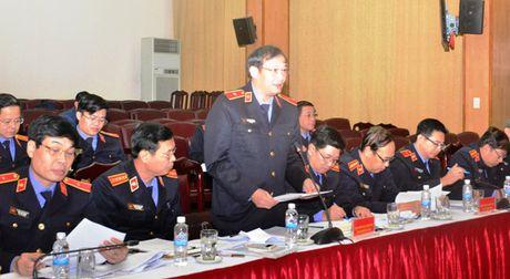 Lanh dao VKSNDTC nghe cac VKSND cap cao, VKSND T.P Ha Noi va VKSND TP. Ho Chi Minh bao cao ket qua cong tac nam 2016 - Anh 2