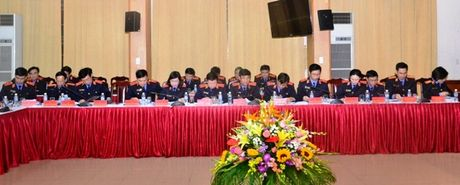 Lanh dao VKSNDTC nghe cac VKSND cap cao, VKSND T.P Ha Noi va VKSND TP. Ho Chi Minh bao cao ket qua cong tac nam 2016 - Anh 8