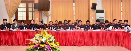 Lanh dao VKSNDTC nghe cac VKSND cap cao, VKSND T.P Ha Noi va VKSND TP. Ho Chi Minh bao cao ket qua cong tac nam 2016 - Anh 9