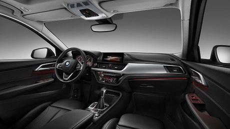 BMW trinh lang sedan co nho 1-series voi nhieu trang bi cao cap - Anh 2