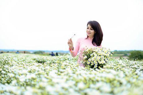 Mai Thu Huyen dep diu dang cung cuc hoa mi - Anh 1