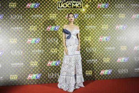 Bui Anh Tuan khoe hit moi tren san khau 'Khoi dau uoc mo –Dream High' - Anh 5