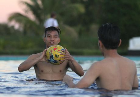 AFF Cup 2016: Buoi tap dau vui nhon cua tuyen Viet Nam tai Nay Pyi Taw - Anh 6