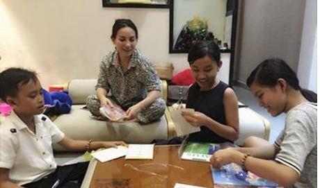 Cuoc song kho ngo cua Phuong My Chi va Ho Van Cuong khi lam con Quang Le, Phi Nhung - Anh 4