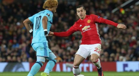 Mkhitaryan xuat sac nhat tran, Mourinho muon hon the nua - Anh 1