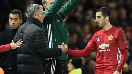 Mkhitaryan xuat sac nhat tran, Mourinho muon hon the nua - Anh 2