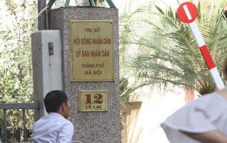 Cong chuc Ha Noi phai ung xu chuan muc noi cong cong - Anh 1
